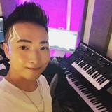 專業流行曲歌唱導師1Sir(林俊一)