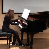 全職鋼琴女導師,專業教授初級至中級鋼琴