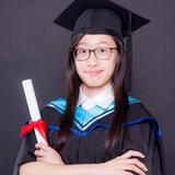 畢業於香港浸會大學音樂系:音樂文學碩士,音樂學文學士(榮譽)