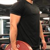健身教練Adrian