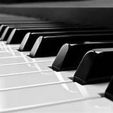 本人已有八年教鋼琴經驗,...