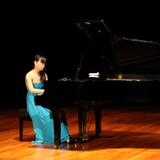 葉泳彤自五歲學琴至今,師...