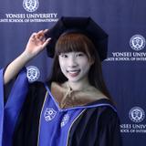香港大學畢業,英國大學交換生